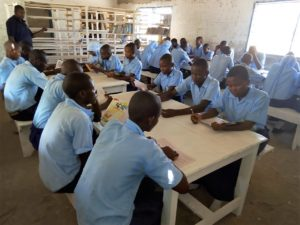Schulbibliothek Maziwa